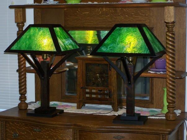 Arts crafts mission oak lamps we collect mission oak lamps buy we hope you will enjoy looking at our antique arts crafts table lamps with many different styles including the prairie style aloadofball Gallery